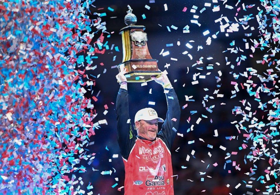 Hank Cherry holding 2021 Bassmaster Classic trophy